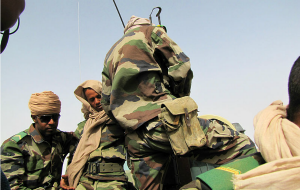 Mauritanian troops conduct drills in response to calls for heightened security at the Mali border, par Magharebia (Wikimedia Commons)