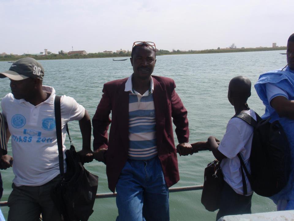 La traversée du fleuve Sénégal (photo: Jiddou Derdeche