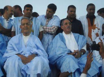 Au premier plan: Ahmed Ould Daddah et l'ancien président le colonel Ely (turban)