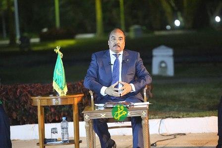 Le président Aziz lors de la conférence de presse (Photo: ami.mr)